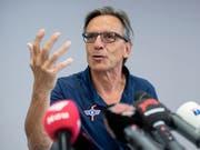 Hans-Ulrich Lehmann gibt sein Amt als Verwaltungsratspräsident des EHC Kloten ab (Bild: KEYSTONE/ENNIO LEANZA)