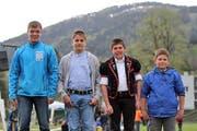 Die Sieger beim samstäglichen Buebeschwinget, von links: Tobias Schönenberger, Wil, Simon Fäh, Benken, Simon Zurbuchen, Habkern, und Philipp Höhener. (Bild: Pascal Schoenenberger)