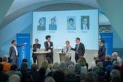 Hitzige Debatte im Pfalzkeller über das Rahmenabkommen (von links): Stefan Schmid (Chefredaktor Tagblatt), Paul Rechsteiner (SP-Ständerat, SG), Nicola Forster (Co-Präsident GLP Zürich), Brigitte Häberli-Koller (CVP-Ständerätin, TG), Roger Köppel (SVP-Nationalrat, ZH) und Jürg Ackermann (stv. Chefredaktor Tagblatt). (Bild: Urs Bucher)