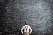Viele Forschungsarbeiten zeigen: Wer sich im Lösen komplizierter Aufgaben übt, schneidet in Intelligenztest auch besser ab. (Bild: Getty)