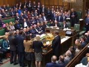 Das britische Parlament hat am Mittwoch mit der Debatte über ein Gesetz begonnen, das die Regierung zum Antrag auf eine weitere Verschiebung des Brexits zwingen könnte. (Bild: KEYSTONE/EPA UK PARLIAMENTARY RECORDING UNIT)
