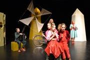 Die Luzerner «Stachelbeeren» bei der Hauptprobe zum neuen Stück «Im Land der Windmühlen».(Bild: Yvonne Imbach, 2. April 2019)