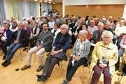 88 Stimmbürger nahmen an der Versammlung teil. (Bild: Theodor Looser)