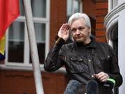Ecuadors Präsident Lenin Moreno wirft Wikileaks-Gründer Julian Assange vor, gegen die Asyl-Auflagen verstossen zu haben. Auf der Enthüllungsplattform Wikileaks wurden Fotos, Videos und private Unterhaltungen des Präsidenten veröffentlicht. (Bild: KEYSTONE/EPA/FACUNDO ARRIZABALAGA)