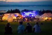Am Festival «Sur Le Lac» hoch über dem Bodensee. Am kommenden Wochenende gastieren dessen Macherinnen und Macher erst einmal mit vier Konzerten in der Stadt St.Gallen. (Bild: Ralph Ribi - 11. August 2018)