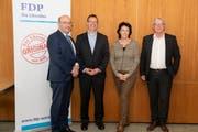 Beat Tinner, Thomas Toldo, Katrin Frick und Martin Vinzens beim FDP-Höck in der Strafanstalt Saxerriet. (Bild: Doris Lippuner)