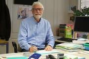 """Martin Grob in seinem Büro, in das er """"gedrängt"""" wurde. (Bild: Yann Lengacher)"""