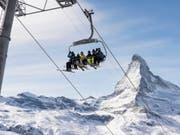 Die Schweizer Tourismusbranche konnte in diesem Februar mit den Hotelübernachtungen nicht ganz an den Spitzenwert vom Vorjahr anknüpfen. Es ist aber immer noch der zweitbeste Februar seit 2015. (Bild: KEYSTONE/CHRISTIAN BEUTLER)
