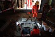 Die Arbeiter mussten sich mannshoch in den Untergrund graben.