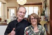 Bruno und Gina Schmid sind seit 40 Jahren im Gastrobereich tätig: Am kommenden Samstag sind sie zum letzten Mal im Einsatz. (Bild: Res Lerch)