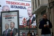 In Istanbul sind noch immer Plakate von den Kommunalwahlen zu sehen. (Bild: Erdem Sahin/EPA, 2. April 2019)