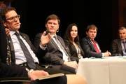 Die Podiums-Teilnehmer: Jakob Stark, Hansjörg Brunner, Kristiane Vietze, Peter R. Thomsen und Frank Marty. (Bild: Christof Lampart)