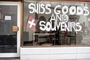 Der Eingang des neuen Souvenir-Shop in St.Gallen.
