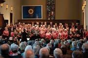Die «Gospelfriends» während des Benefizkonzerts in der evangelischen Stadtkirche. (Bild: Andreas Taverner)