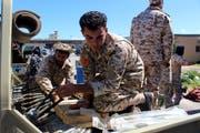 Soldaten in Tripolis. (Bild: EPA, 8. April 2019)