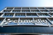Das Logo von CH Media Logo am LZ Medienhaus an der Maihofstrasse in Luzern. (Bild: Philipp Schmidli)