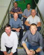 Die Führungsriege der GLB Uri; vorne von links: Beat Steffen (abtretender Präsident) und Urs Gisler (neuer Präsident); mitte von links: Walter Muheim (abtretendes Vorstandsmitglied) und Heinz Arnold (neu im Vorstand); hinten von links: Peter Wyrsch (Bauführer) und Franz Arnold (Geschäftsführer).