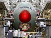 Flugzeugmontage beim europäischen Hersteller Airbus in Toulouse F. (Bild: KEYSTONE/EPA/YOAN VALAT)