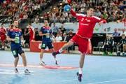 Andy Schmid orchestriert als Regisseur das Offensivspiel des Schweizer Handballer. (KEYSTONE/Alexandra Wey).