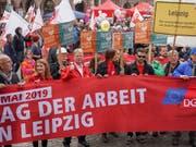Mai-Kundgebung am Mittwoch in Leipzig. (Bild: KEYSTONE/AP DPA/PETER ENDIG)