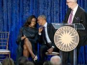 Neue Serie über einen vollkommen unvorbereiteten US-Präsidenten Trump: Michelle und Barack Obama produzieren die Netflix-Adaption des Buches «Erhöhtes Risiko». (Bild: Keystone/AP/ANDREW HARNIK)