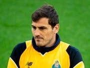 Bange Momente in der grossen Karriere von Iker Casillas (Bild: KEYSTONE/EPA/PETER POWELL)