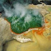 Eines der spektakulären Luftbilder aus der Ausstellung über die Kraft des Wassers. (Bild: Bernhard Edmaier)