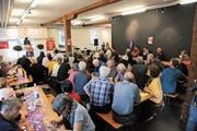 Rund 60 Personen nahmen an der gestrigen Urner 1.-Mai-Feier im Zeughaus Altdorf teil. (Bild: Urs Hanhart, Altdorf, 1. Mai 2019)