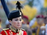 Drei Tage vor der Krönung von König Maha Vajiralongkorn wurde überraschend dessen Ehefrau Suthida zur Königin ernannt. Bisher war nicht bekannt, dass die beiden verheiratet sind. (Bild: KEYSTONE/EPA/RUNGROJ YONGRIT)