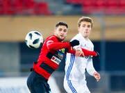 Spiel ab nächster Saison in der Super League: der bisherige Krienser Mittelstürmer Saleh Chihadeh (li.) (Bild: KEYSTONE/VALENTIN FLAURAUD)