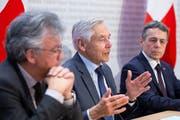 Ex-Nestlé-Verwaltungsratspräsident Peter Brabeck (Mitte) präsidiert die Genfer Stiftung Gesda. (Bild: Peter Klaunzer/Keystone, Bern, 20. Februar 2019)