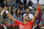 Triumphiert in der spanischen Hauptstadt nach einer Durststrecke: Der Serbe Novak Djokovic. (Bild: Bernat Armangue/Keystone, Madrid, 12. Mai 2019)
