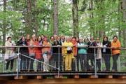 Auftakt zu den Nationalratswahlen für die St.Galler Frauen. Der Baumwipfelpfad war das letzte Ziel auf der Tour. (Bild: Cecilia Hess-Lombriser)