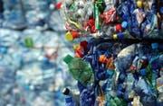 Können PET-Flaschen in Zukunft auch von zu Hause aus entsorgt werden? (Bild: PD)