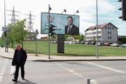 Wahlplakat von Premierminister Saulius Skvernelis in der Hauptstadt Vilnius. (Bild: Valda Kalnina/EPA (9. Mai 2019))
