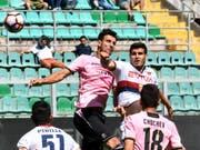 Palermo (im Bildzentrum mit Sinisa Andelkovic) droht der Zwangsabstieg in die Serie C (Bild: KEYSTONE/EPA ANSA/MIKE PALAZZOTTO)