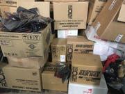 Zwei Tonnen Coiffeur-Produkte versuchten zwei Iraker über die deutsch-schweizerische Grenze bei Basel zu schmuggeln. (Bild: Eidgenössische Zollverwaltung)