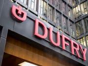 Der Duty-Free Spezialist Dufry hat den Umsatz verbessert und ist für das Gesamtjahr zuversichtlich. (Bild: KEYSTONE/PATRICK STRAUB)