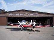 Der Flugplatz Birrfeld, in dessen Nähe das Kleinflugzeug abgestürzt ist. (Bild: KEYSTONE/URS FLUEELER)