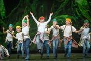 Auftritt von Kindern der Theatertanzschule im Stück «Tanz auf der Mattisburg» im Grossen Haus des Theaters St.Gallen. (Bild: Michel Canonica - 19. November 2015)
