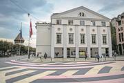 Das heutige Luzerner Theater am Theaterplatz. Seine Zukunft ist ungewiss, ein Neubau möglich. (Bild: Boris Bürgisser, Luzern, 21. September 2018)