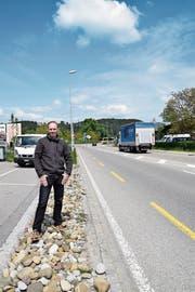 SVP-Kantonsrat Damian Gahlinger vor dem Oberbürer Kreisel. (Bild: Tobias Söldi)
