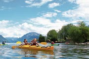 Ob alleine oder zu zweit im Boot, alles kann an den Kanu-Erlebnistagen getestet werden. (Bild: PD)