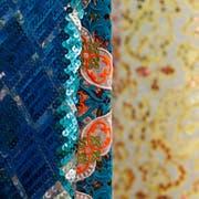 Pailletten und Stickereien: Stoffe wie diese sind im Textilmuseum zu sehen. (Bild: PD)