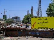Das Militär hat die Gespräche mit der Demokratiebewegung im Sudan ausgesetzt, bis zahlreiche Strassensperren weggeräumt sind. (Bild: KEYSTONE/AP)