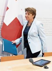 Verteidigungsministerin Viola Amherd vor der gestrigen Medienkonferenz. (Bild: Peter Schneider/Keystone)