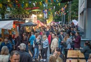 Werden vor allem bei Jungen immer beliebter: Street Food Festivals wie hier in der Stadt St.Gallen. (Bild: Michel Canonica, 3. Juni 2016)