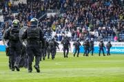 Sicherheitskräfte letzten Sonntag in der Swisspor-Arena. (Bild: Martin Meienberger/freshfocus, Luzern, 12. Mai 2019)