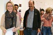 Elvira Büchel und Angelo Bont informieren die Besucher über das Projekt Gleis 1. (Bild: wk)