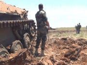 In der letzten grossen Rebellenhochburg in Syrien sind nach Uno-Angaben rund 180'000 Menschen vor der eskalierenden Gewalt in den vergangenen Wochen geflohen. (Bild: KEYSTONE/EPA SANA/SANA HANDOUT)